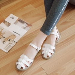 Shoespie Closed Toe Buckle Flat Sandals