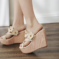 Appliques Platform Slip-On Toe Ring Wedge Sandals