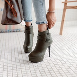 Shoespie Buckle Platform Stiletto Heel Ankle Boots