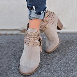 Shoespie Stylish Chunky Heel Plain Back Zip Casual Boots