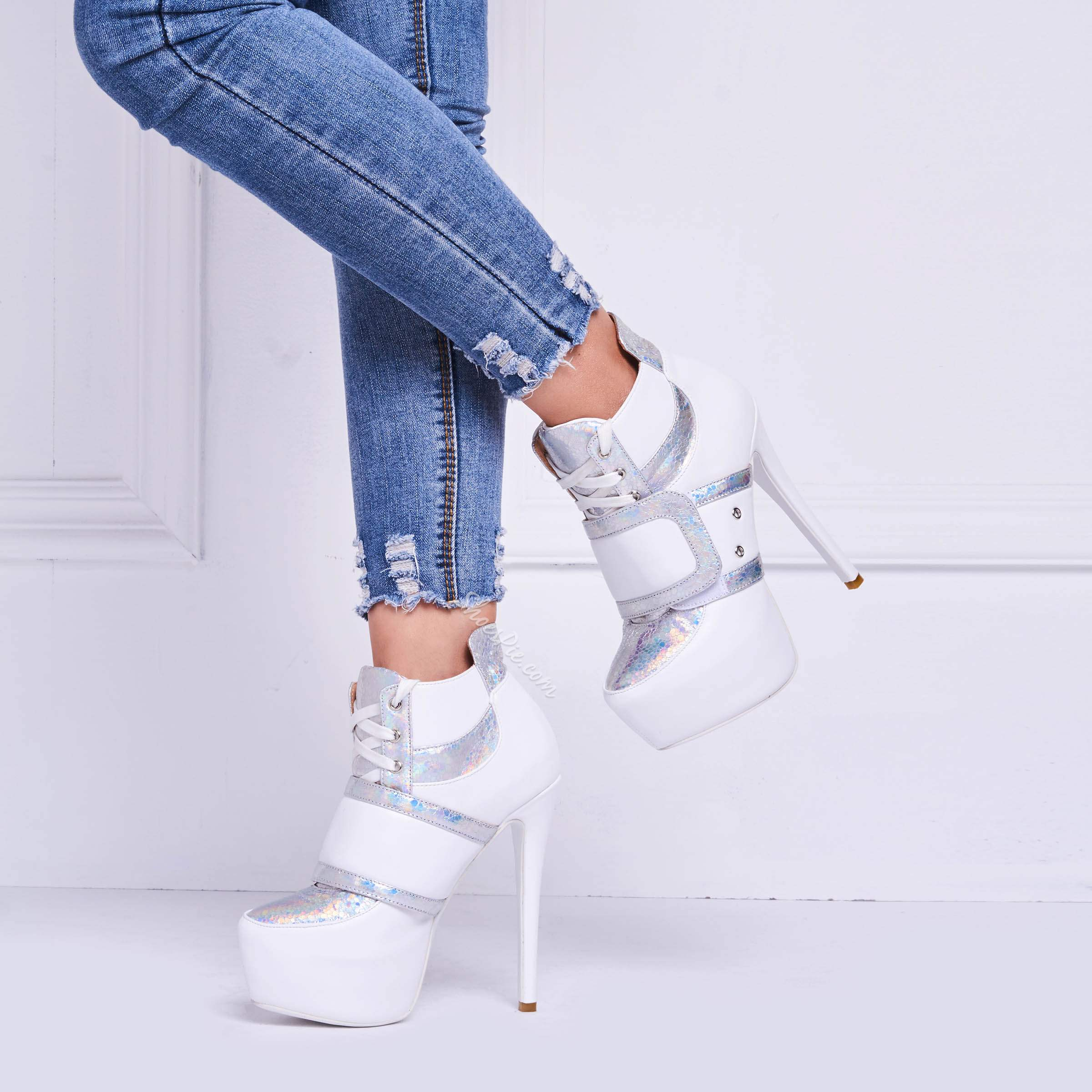 Shoespie Coo White Glossy Patchwork Platform Awesome Booties