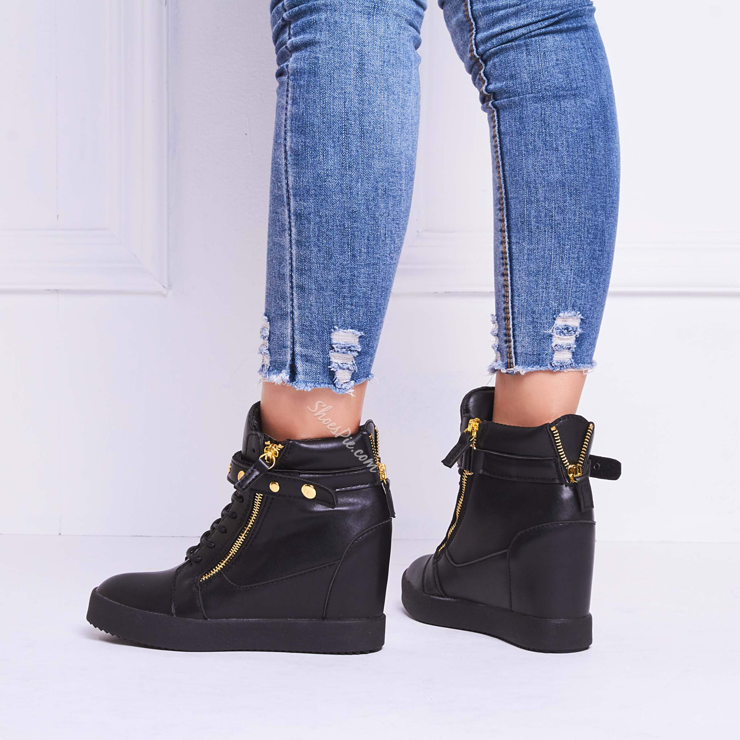 Shoespie Black Flat Rivets Elevated Sneakers