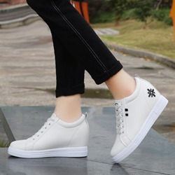 Shoespie Sexy Round Toe Low-Cut Upper Embroidery Casual Sneakers