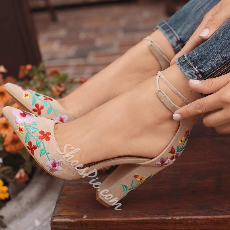 Shoespie Trendy Pointed Toe Chunky Heel Lace-Up Sandals