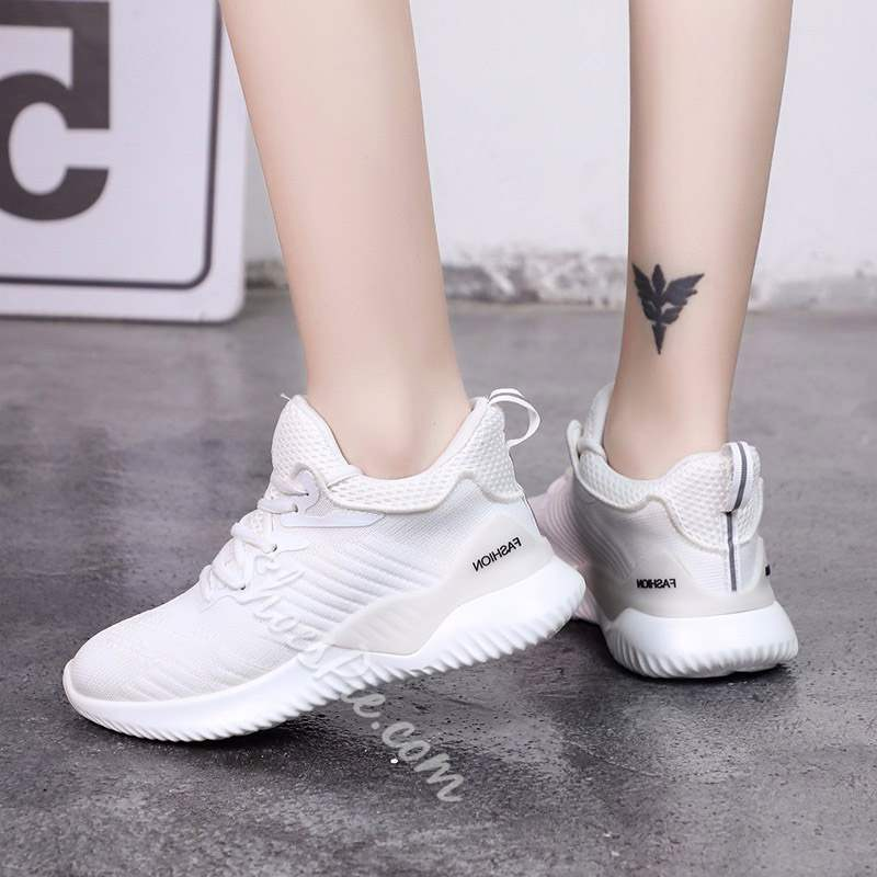Shoespie Trendy Platform Low-Cut Upper Round Toe Sneakers
