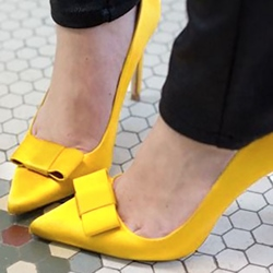 Shoespie Chic Yellow Bowtie Court Stiletto Heels