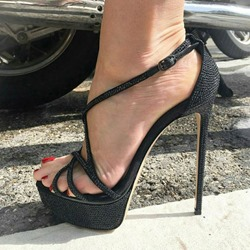 Shoespie Sexy Heel Covering Stiletto Heel Open Toe Cross Strap Sandals
