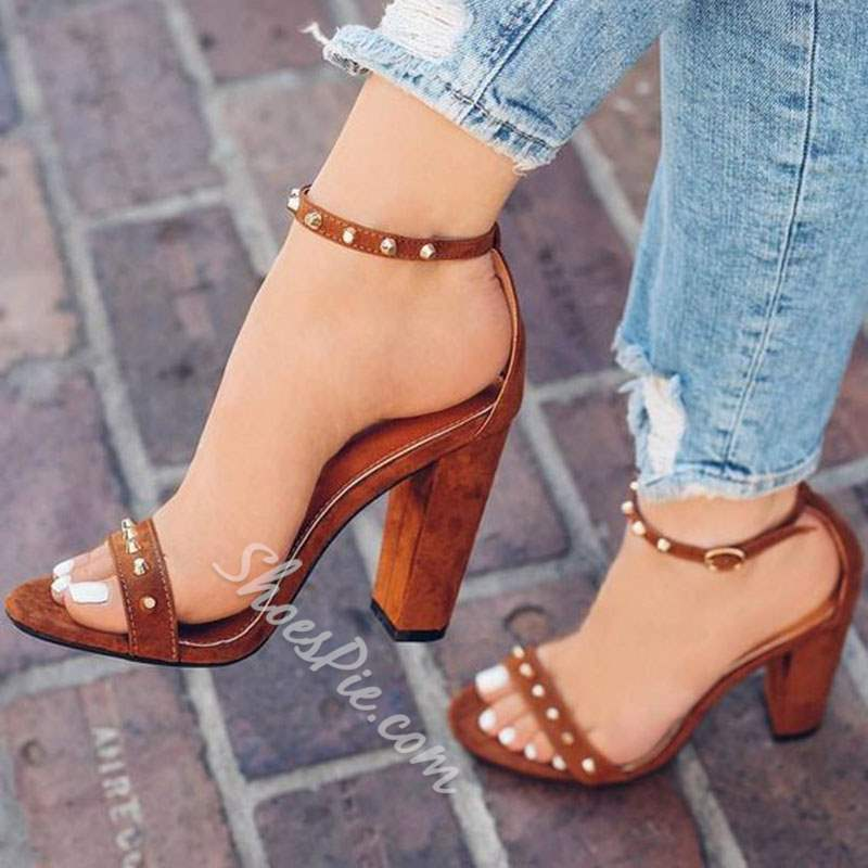 4909f903e Shoespie Sexy Heel Covering Chunky Heel Line-Style Buckle Rivet Sandals