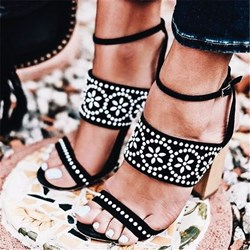 Shoespie Trendy Black Open Toe Buckle Polka Dot Sandals