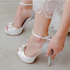 Shoespie Trendy Rhinestone Stiletto Heel Line-Style Buckle Wedding Bridal Shoes