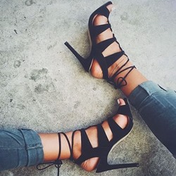 Shoespie High Heel Lace-Up Black Sandals