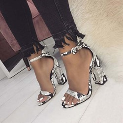 Shoespie Snake Pattern Buckle Chunky Heel Sandals