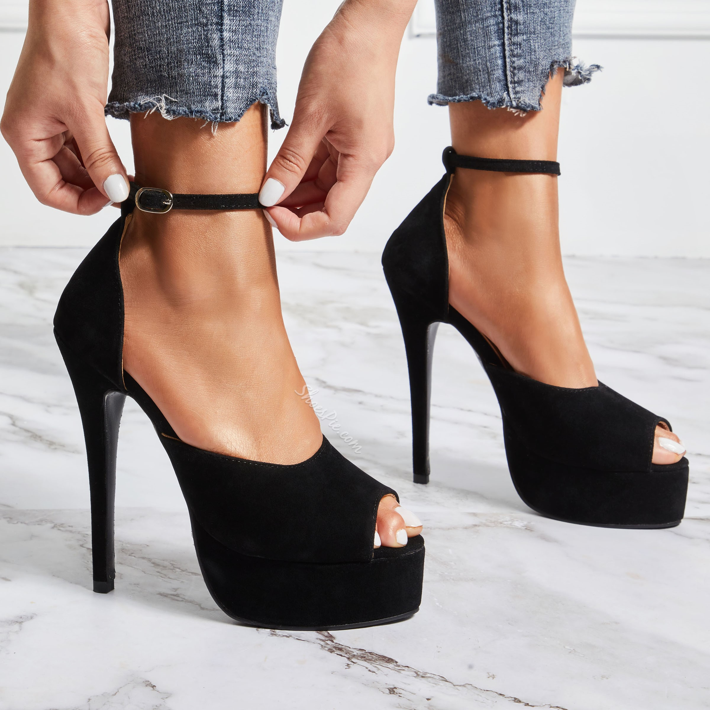 Sexy Black Line-Style Buckle Stiletto High Heels