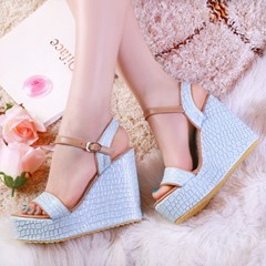 Shoespie Buckle Ankle Strap Wedge Heel Casual Sandals