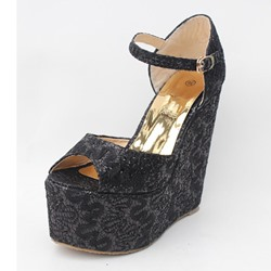 Shoespie Buckle Peep Toe Wedge Heel Sandals