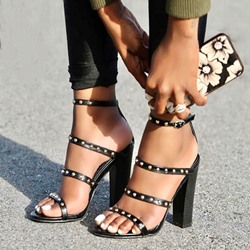 Shoespie Rivet Buckle Open Toe Chunky Heel Sandals