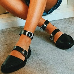 Shoespie Stylish Buckle Flat Shoes