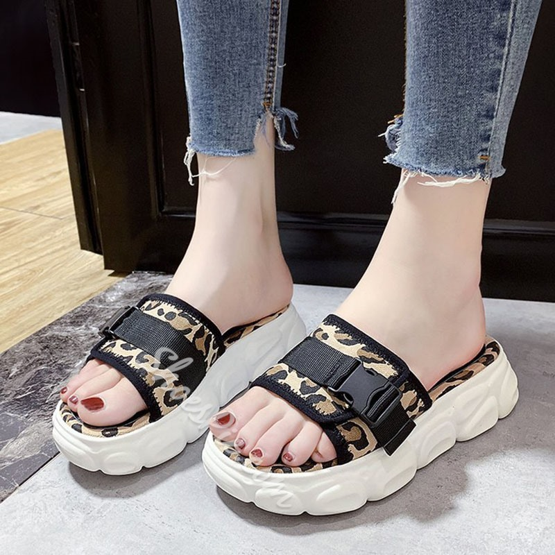 Shoespie Leopard Buckle Flat Casual Slippers