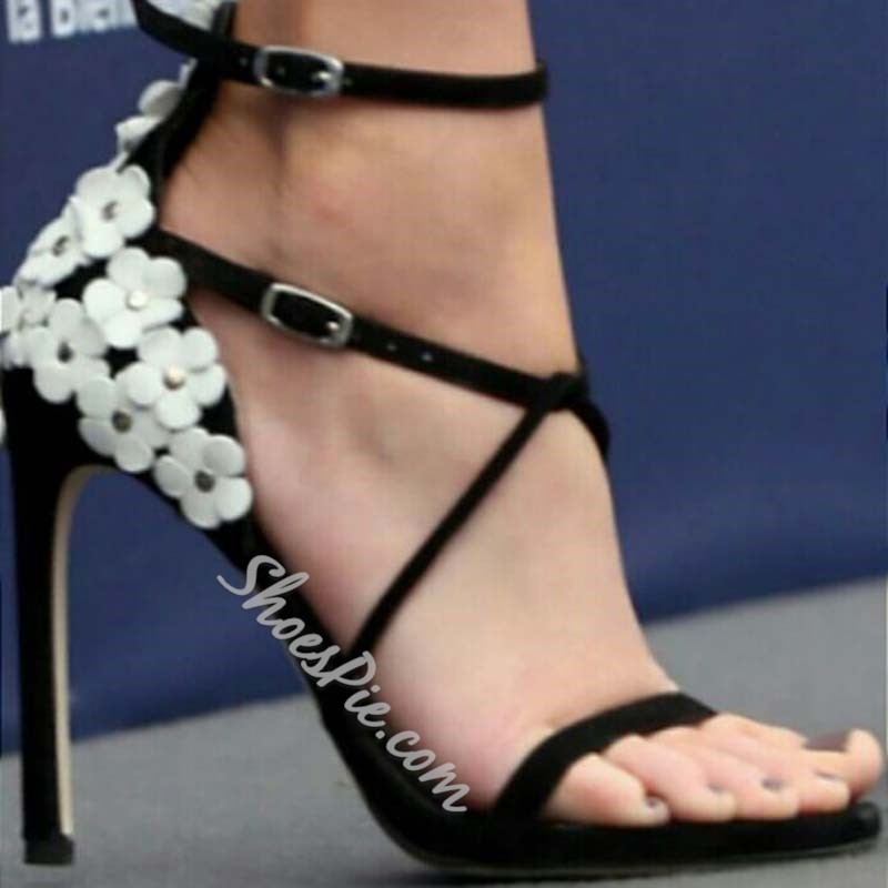 Shoespie Black Flower High Heel Buckle Sandals