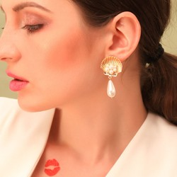 Pearl Inlaid Alloy Sweet Holiday Earrings