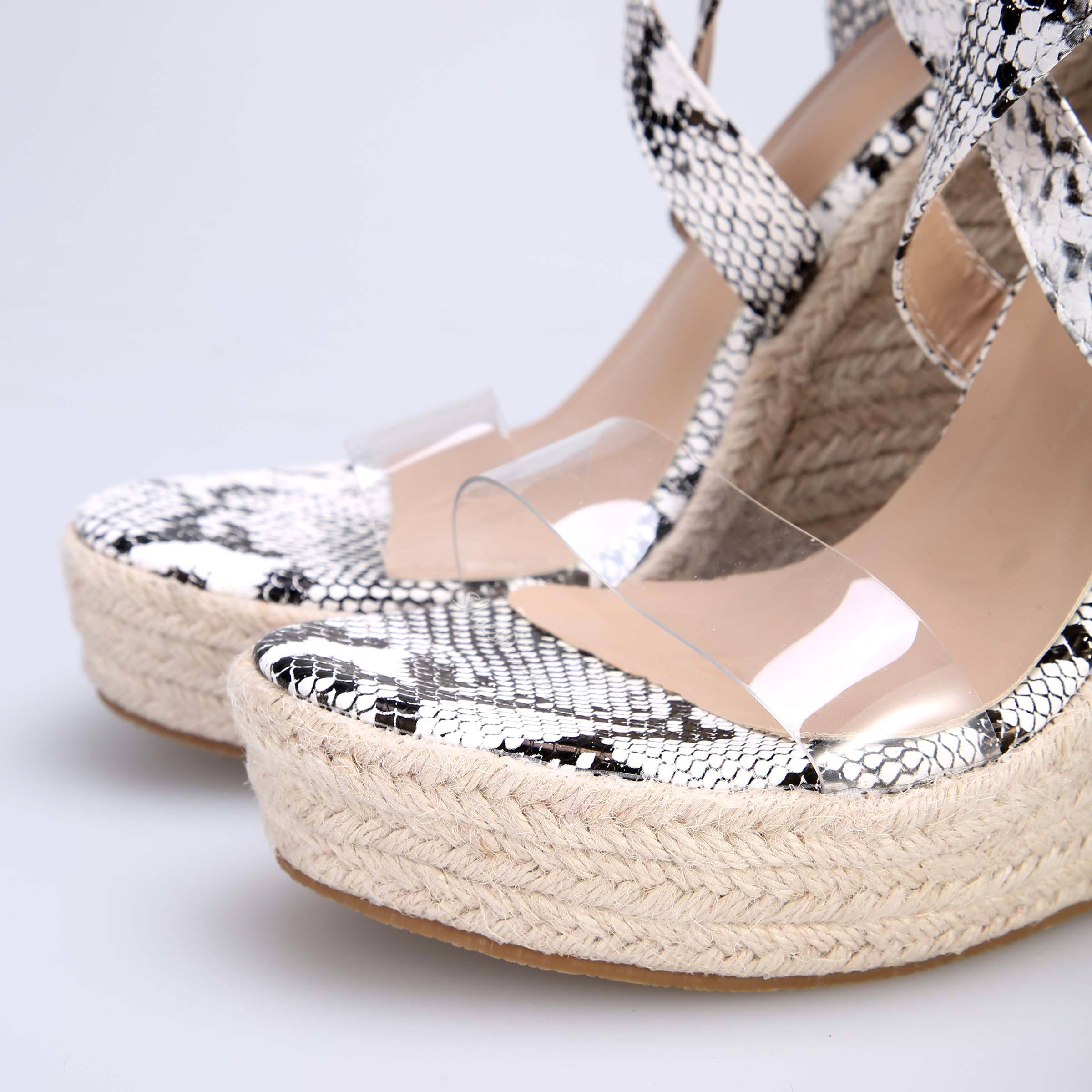 Shoespie Snake Print Buckle Wedge Heel Clear Sandals