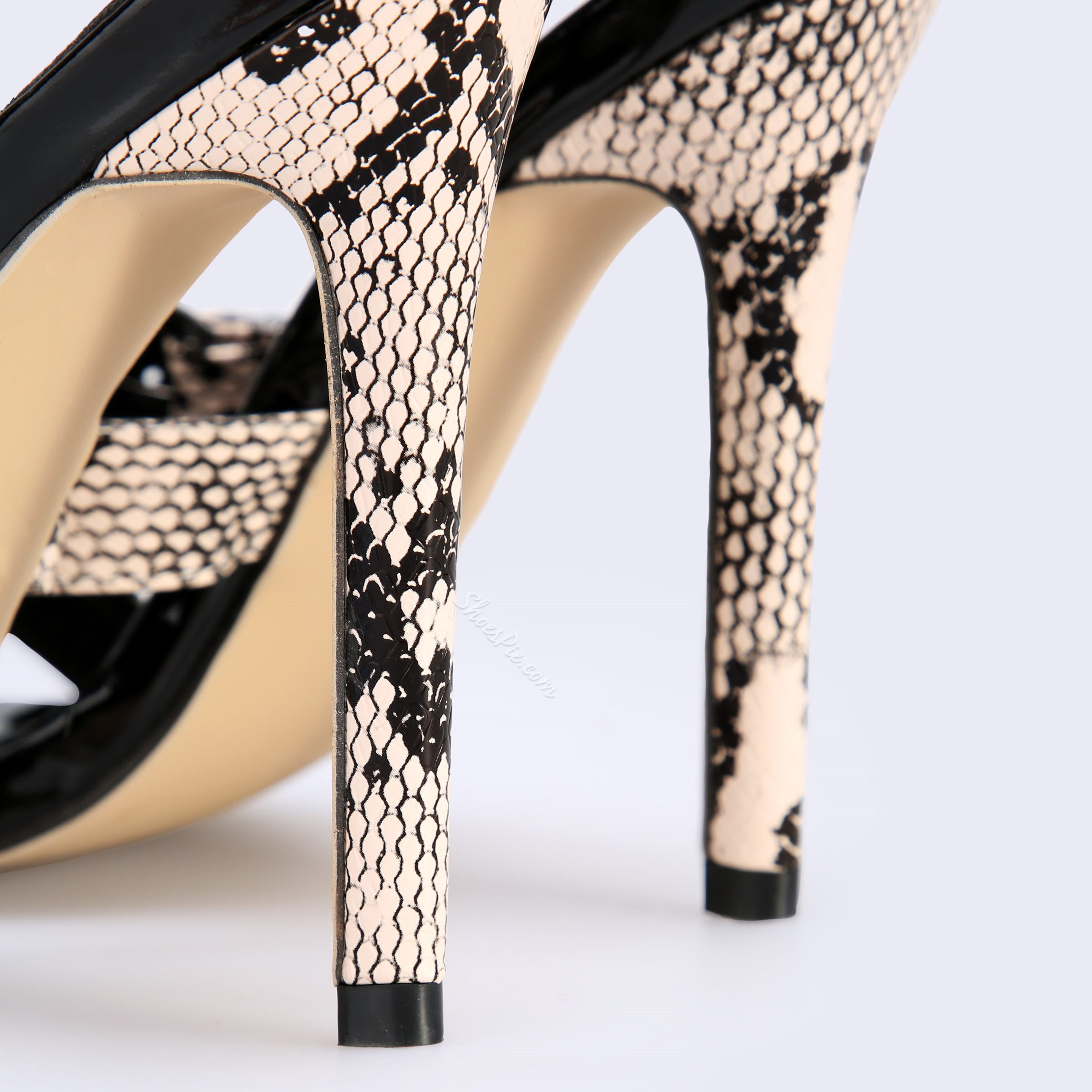 Shoespie Leopard Serpentine Cross Stiletto Heel Slippers