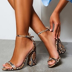 Shoespie Trendy Chunky Heel Buckle Heel Covering Western Sandals