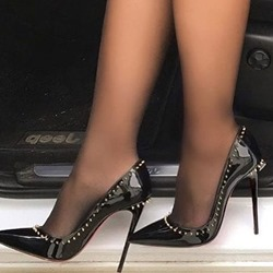 Shoespie Black Rivet Pointed Toe Stiletto Heel Pumps