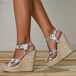 Shoespie Trendy Buckle Open Toe Wedge Heel Casual Sandals