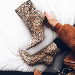 Shoespie Sexy Color Block Pointed Toe Side Zipper Western Boots