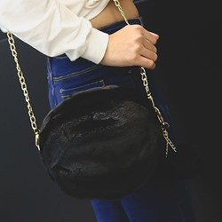 Shoespie Chain Plain Circular Crossbody Bags