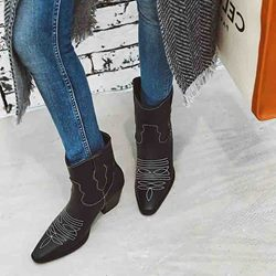 Shoespie Trendy Color Block Slip-On Chunky Heel Serpentine Boots
