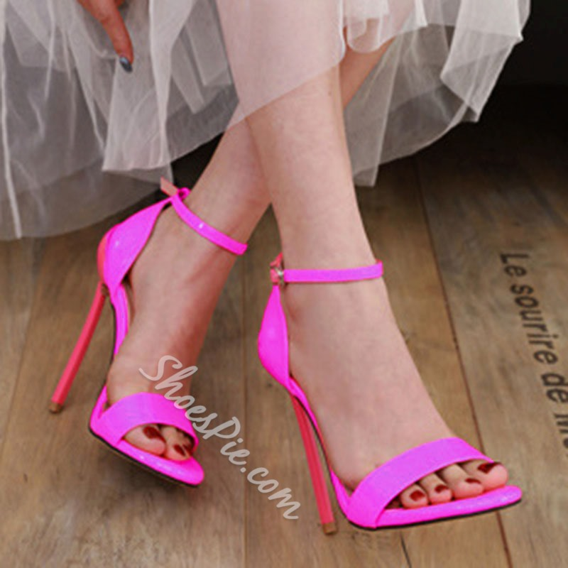 Shoespie Trendy Stiletto Heel Heel Covering Buckle Casual Sandals