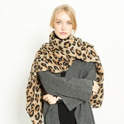 Acrylic Fashion Print Leopard Scarves