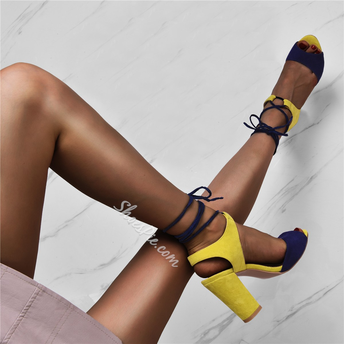 Shoespie Sexy Square Heel Lace-Up Open Toe Sandals