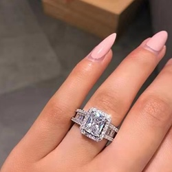 Diamante Romantic Engagement Rings
