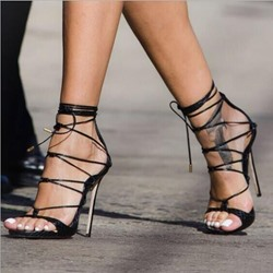 Shoespie Trendy Open Toe Stiletto Heel Heel Covering Low-Cut Upper Sandals