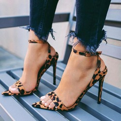 Shoespie Trendy Line-Style Buckle Open Toe Stiletto Heel Western Sandals