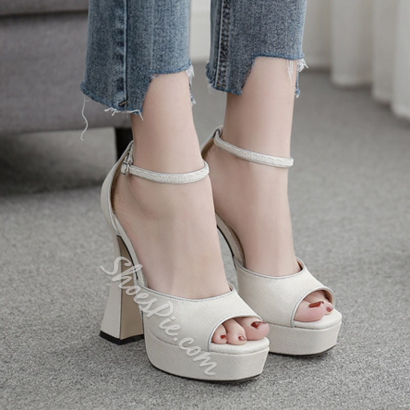 Shoespie Stylish Peep Toe Line-Style Buckle Casual Sandals