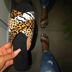 Shoespie Stylish Slip-On Thread Leopard Flat Sandals