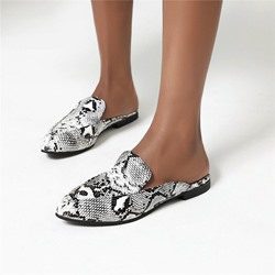 Shoespie Trendy Block Heel Serpentine Slip-On Casual Slippers