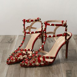 Shoespie Sexy Rivet T-Shaped Buckle Stiletto Heel Hollow Sandals