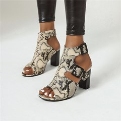 Shoespie Trendy Chunky Heel Open Toe Buckle Serpentine Sandals