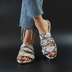 Shoespie Trendy Slip-On Flat Heel Serpentine Casual Slippers