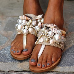 Shoespie Stylish Pearl Thread Slip-On Thong Beach Slippers