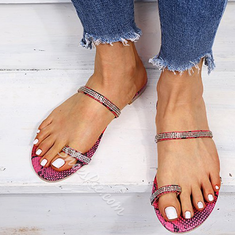Shoespie Stylish Flat With Slip-On Toe Ring Rubber Slippers