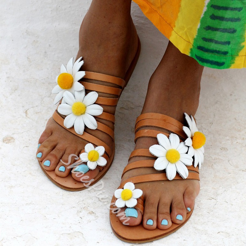 Shoespie Stylish 3D Flat With Toe Ring Floral Slippers