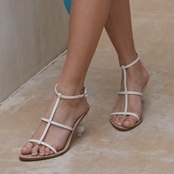 Shoespie Trendy Buckle Strappy Round Toe Plain Sandals