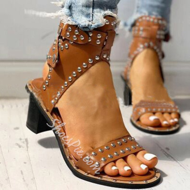 Shoespie Sexy Ankle Strap Chunky Heel Open Toe Rivet Sandals