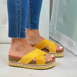 Shoespie Stylish Slip-On Platform Rubber Slippers
